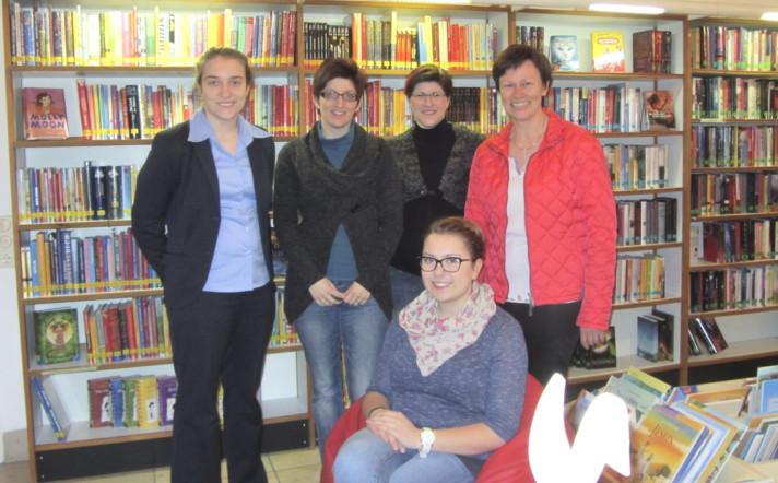 Ihr Büchereiteam (v.l.n.r.): Patricia Sammiller, Katrin Kraus, Martina Nemec, Julia Kügel und Leiterin Gabi Sammiller. Nicht im Bild: Monika Batz